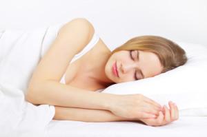 Eine Frau schläft